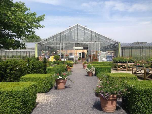 tuinaanleg-en-tuinonderhoud_Oostkamp_Het Wilgenbroek - Plantencentrum_3.jpg